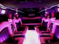 Roze Hummer h2 limousine interieur
